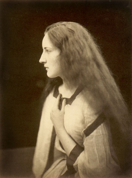 julia margaret cameron With her camera, julia margaret cameron captured and immortalised the likes of charles darwin, lord tennyson and robert browning.